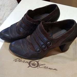 Born Crown brown with metallic trim booties, nice,